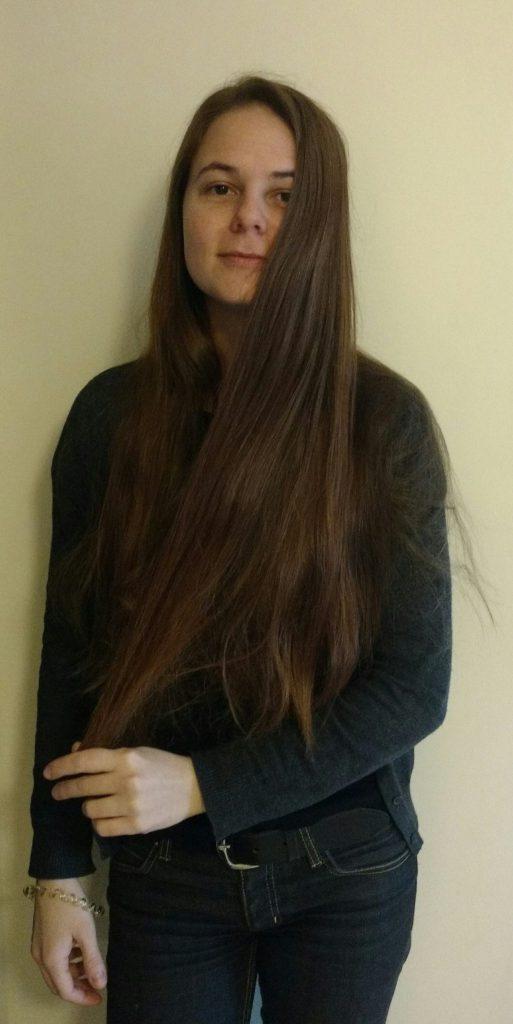 magda z długimi włosami