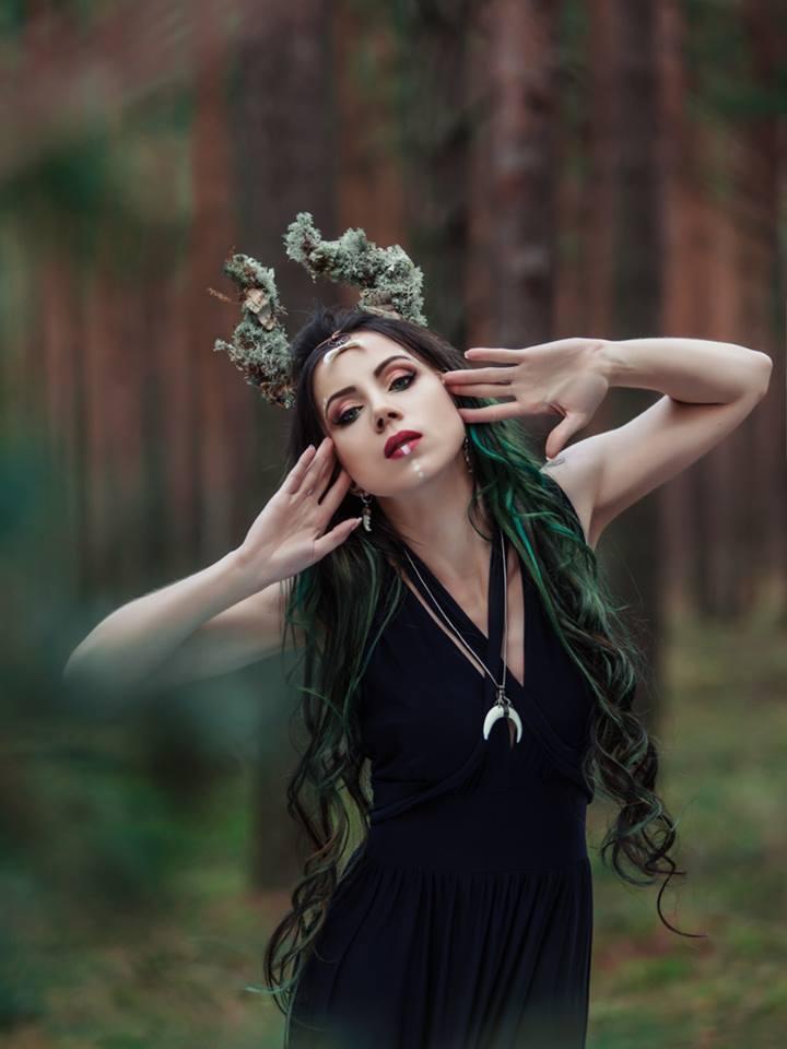 elizabeth w biżuterii by magdalena maślerz